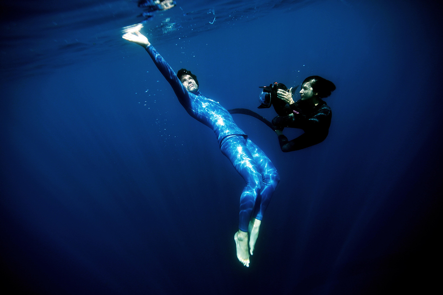 Ocean Gravity: When Free-Diving looks like floating on the moon